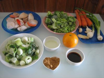 Ingrédients pour la recette : Coquilles Saint-Jacques au gingembre façon chinoise
