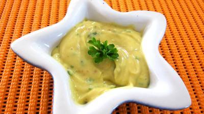 mayonnaise : Ramequin de mayonnaise aux 2 huiles