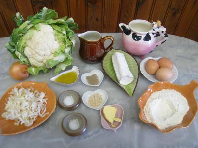 Ingrédients pour la recette : Crêpes gratinées au chou-fleur et au chèvre