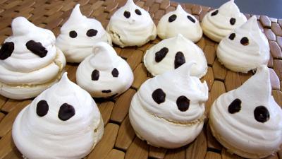 Dessert meringué : Meringues hallowenn les esprits fantômes
