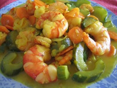 Image : Assiette de crevettes au curcuma
