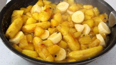 Tatin à l'ananas, fruit de la passion et bananes - 4.2