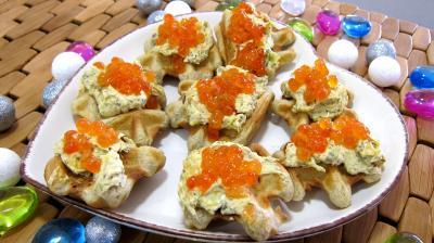gaufrette : assiette de gaufrettes aux oeufs de saumon