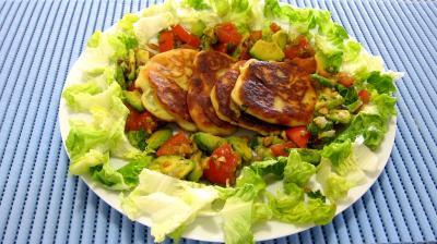 jus de citron vert : Assiette de ricotta en croquettes au citron vert
