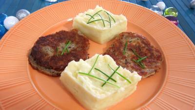 purée de légumes : Assiette de purée de pommes de terre et croquettes