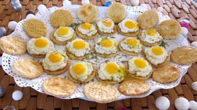 Recette Plat de crackers à la ricotta et aux oeufs de caille