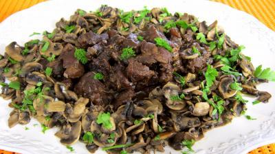 Recette Assiette de ragoût de boeuf au champignons à la juive