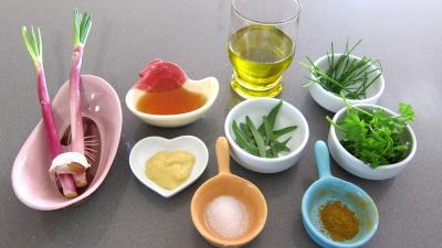 Ingrédients pour la recette : Vinaigrette aux fines herbes