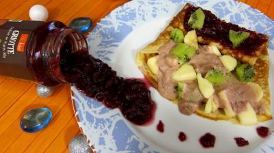 Image : Assiette de crêpe farcie à la purée de griottes Vitabio