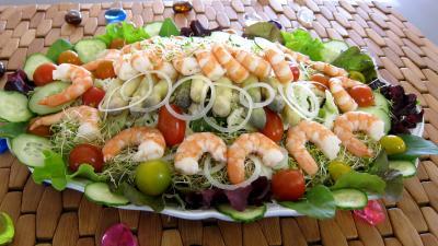 verveine : Assiette ce couscous, légumes, fines herbes et crevettes