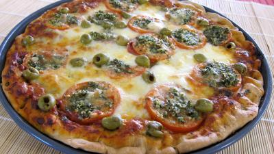 Sauce tomate pour pizza : Pizza à la laitue et mozzarella
