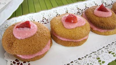 Image : Assiette de whoopie pies aux fraises