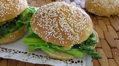Recette Hamburgers au cabillaud et aux asperges