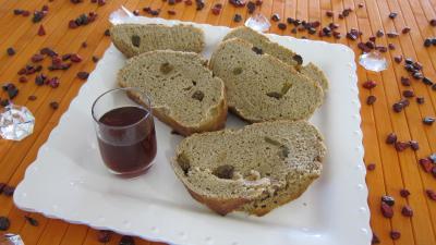 farine de seigle : Assiette de tranches de pain au Porto