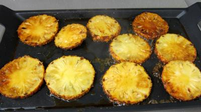 Ananas à la plancha et sa sauce aux fraises - 6.2