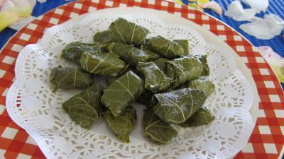 Image : Assiette de dolmas aux épinards