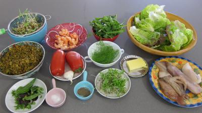 Ingrédients pour la recette : Salade tiède de poisson