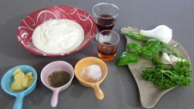 Ingrédients pour la recette : Sauce au yaourt
