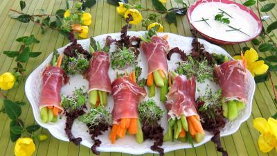 Recette Assiettes de ballotins d'asperges, haricots beurre et carottes