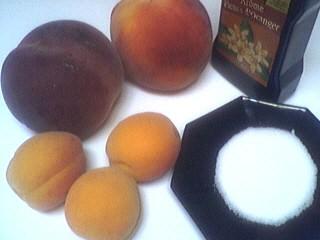 Ingrédients pour la recette : Duo de fruits pour bébé et pour les grands