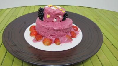 Image : recette Glace aux noisettes et fruits rouges