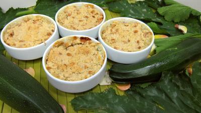 semoule de blé dur : Assiette de crumble aux courgettes