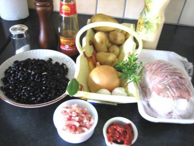 Ingrédients pour la recette : Epaule de veau aux haricots noirs