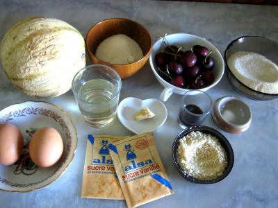 Ingrédients pour la recette : Salade de melon meringuée