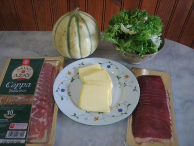 Ingrédients pour la recette : Melon et ses jambons