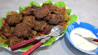 curcuma poudre : Plat de pakoras ou beignets de courgette et aubergine