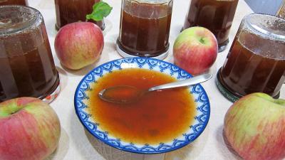 Image : Coupelle de gelée de pommes à la rhubarbe