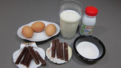 Ingrédients pour la recette : Crème anglaise aux carambars