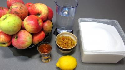 Ingrédients pour la recette : Compote de pommes aux raisins secs