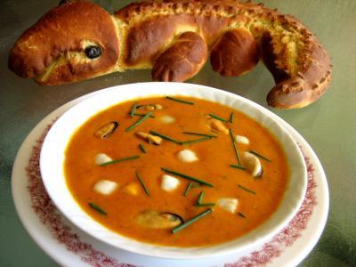 Image : Assiette de soupe de noix de Saint-Jacques