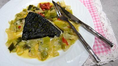 plat complet : Assiette de turbot vapeur et poireaux au chorizo