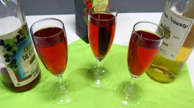 boisson froide : Verres de kir au Jurançon