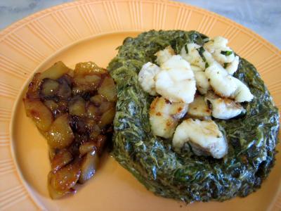 lotte : Lotte aux épinards et aux poires confites