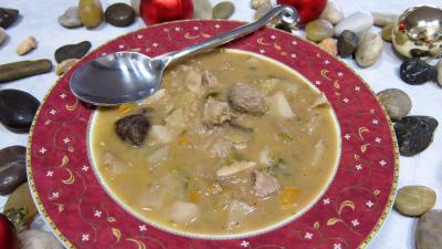 thon rouge : Assiette de soupe de thon aux topinambours