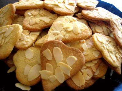 sablés : biscuits de coeurs sablés aux amandes