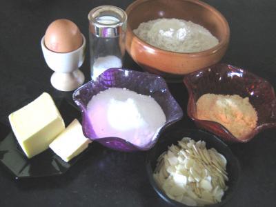 Ingrédients pour la recette : Coeurs sablés aux amandes