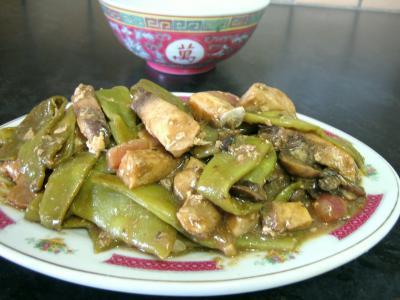 sauce hoisin : Assiette d'espadon aux haricots mange-tout