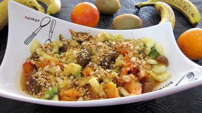 sirop d'ananas : Saladier de soupe d'ananas aux fruits et au cognac
