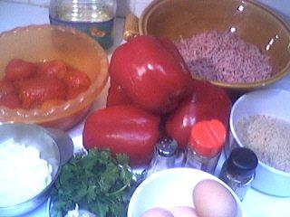 Ingrédients pour la recette : Poivrons farcis à la viande