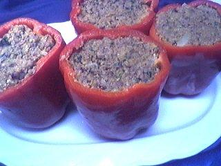 Cuisine catalane : Assiette de poivrons farcis à la viande