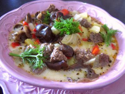 Image : Assiette de potage de fenouil et poivron