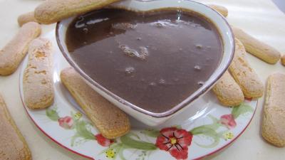 Recettes rapides : Saladier de crème anglaise au chocolat