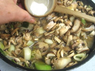Pintade à la purée de maïs et champignons - 11.3