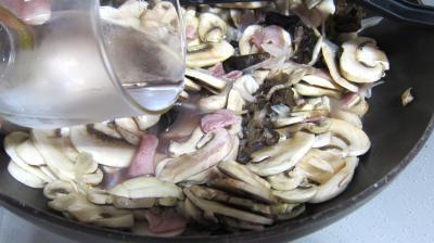 Oeufs au vin rouge et champignons - 6.2