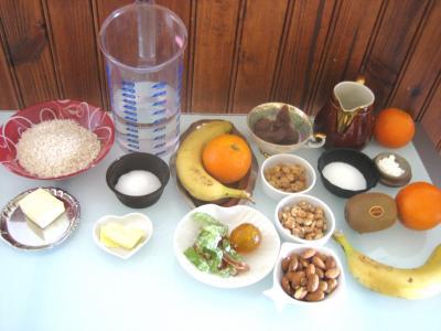 Ingrédients pour la recette : Gâteau de riz farci et sa salade de fruits