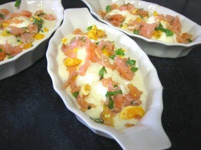 Sauce mornay : Cassolettes d'oeufs durs au saumon fumé